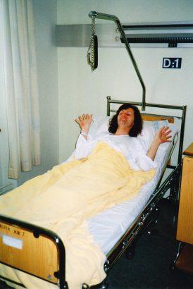 Mynd tekin á spítalanum nokkrum mínútum áður en Anna fór í aðgerðina 24. apríl 1995.
