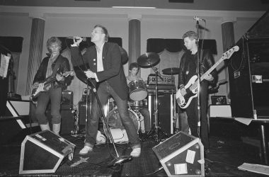 Bubbi Morthens á tónleikum á Borginni 1980