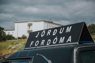 """""""Jörðum fordóma"""" í gleðigöngu Hinsegin daga 2016"""